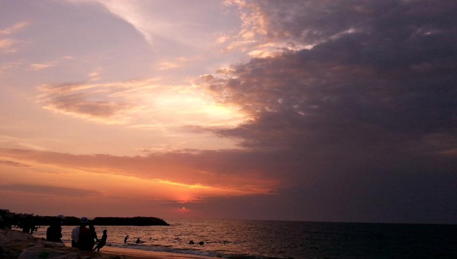 Indian in Luanda, settling in Luanda, luanda sunset, Ilha luanda